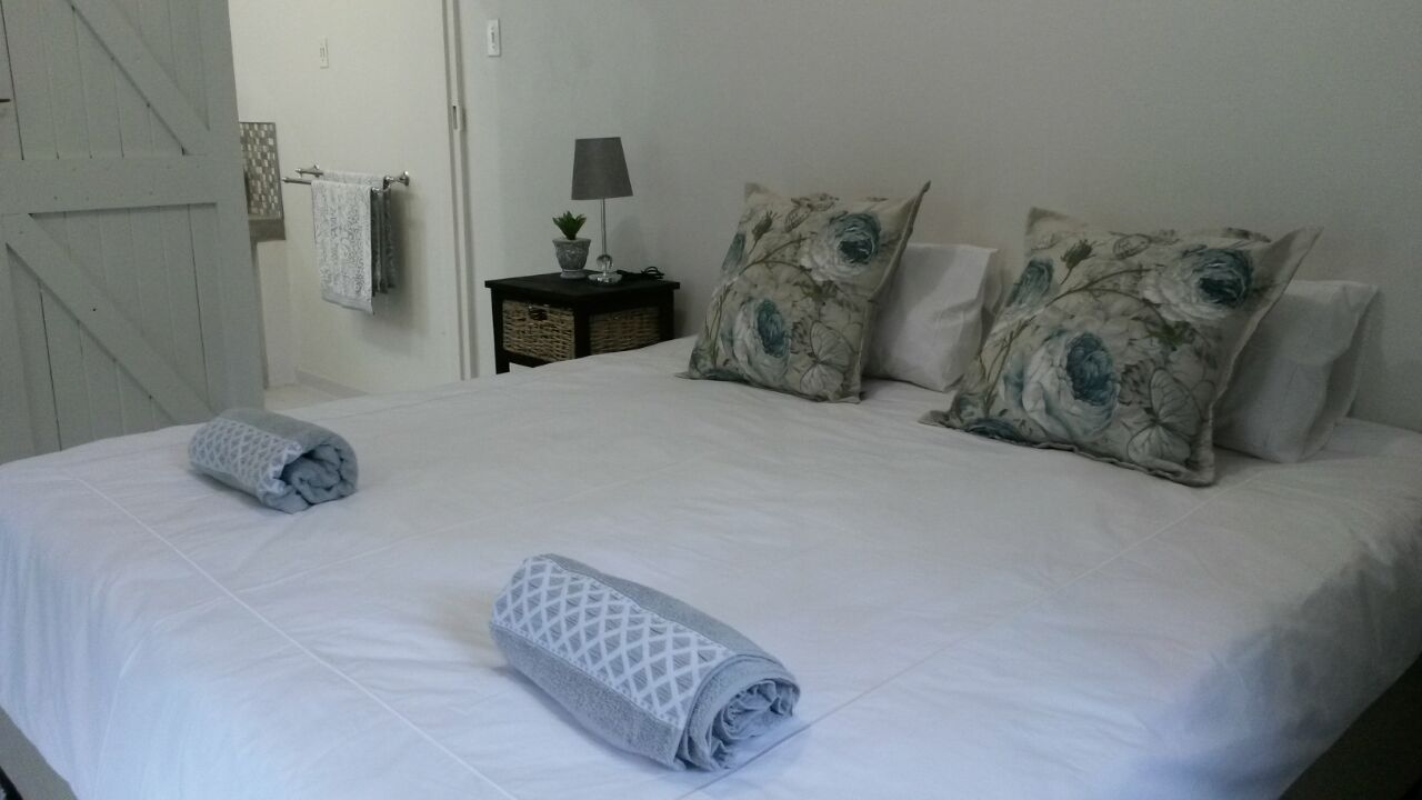 Accommodation wolseley bed only
